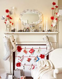 We love this simple (and wallet-friendly!) holiday mantel #makeover.