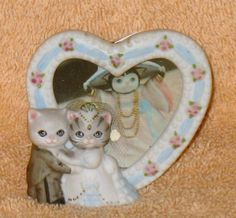 "Kitty Cucumber ""Just Married"" w/ Groom in Front of Heart Shaped Picture Vintage"