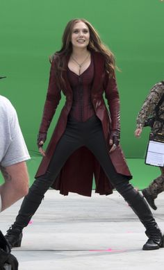 Elizabeth Olsen As Scarlet Witch Scarlet Witch Marvel, Scarlet Witch Costume, Marvel Comics, Hq Marvel, Captain Marvel, Marvel Women, Marvel Girls, Beautiful Celebrities, Beautiful Actresses