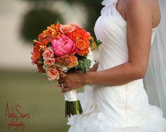 Andy Sams Photography www.andysams.com Pink + Orange Bouquet #bouquet #bouquetideas #floralarrangement #pinkandorange #flowers #bridalbouquet