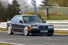 Mercedes-Benz W 201 /190 Mercedes Benz 190e, Mercedes 190 Evo, Mercedes 300e, Classic Mercedes, Merc Benz, Old School Cars, Benz Car, Top Cars, Sport Cars