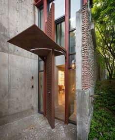 The Studio House By Tom Kundig. Love that extended door!