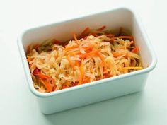 栗原 はるみ さんの切り干し大根を使った「切り干し大根のうす味煮」。かめばかむほど、切り干し大根のうまみが感じられる一品です。あっさり味なので、たくさん食べられます。 NHK「きょうの料理」で放送された料理レシピや献立が満載。