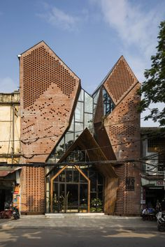 No 1986 Coffee & Restaurant Le House com is part of Restaurant architecture - No 1986 Coffee & Restaurant designed by Le House, This work proves that Still not out of the obvious features in our design Architecture Restaurant, Brick Architecture, Futuristic Architecture, Amazing Architecture, Contemporary Architecture, Restaurant Design, Architecture Definition, Network Architecture, Restaurant Exterior