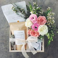Trending Mother's Day Gifts Guide Diy Gift Box, Diy Makeup Gift Basket, Gift Boxes, Holiday Gifts, Christmas Gifts, Roommate Gifts, Mother's Day Gift Baskets, Bridesmaid Gifts, Bridesmaid Makeup