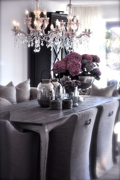 i would love to paint my ugly table/chairs and do something like this. shine it up with crystals and sheen