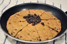 Chocolate Chip Cookie Pie (www.lostincake.wordpress.com)