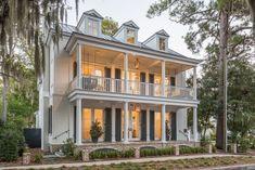 Charleston residence. Allison Ramsey Architects, Beaufort, SC. Josh Savage photo.