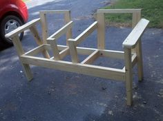 Outside chairs with side table combination Wood Patio Furniture, Outdoor Furniture Plans, Diy Garden Furniture, Diy Pallet Furniture, Diy Pallet Projects, Woodworking Projects Diy, Building Furniture, Outdoor Projects, Furniture Projects