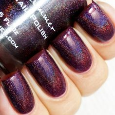 Fig-get About It KB Shimmer Fall 2015 A darkened fig color burgundy, this linear holographic nail polish is perfect in two coats. Type: Linear Holographic Glitter Load: Medium Glitter Size: Micro