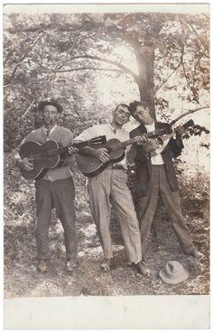 Anon., USA, ca. 1920s Real photo postcard, 5½ x 3½ ins. (13.5 x 8.5 cm) © Fine Vernacular Photography