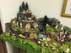 Decoração de natal Christmas Deco, Christmas And New Year, Christmas 2019, Merry Christmas, Xmas, Christmas Village Display, Christmas Villages, Miniature Christmas, Clay Crafts