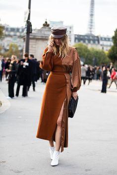 Street style à la Fashion Week printemps-été 2019 de Paris © Sandra Semburg - moda Street Style Trends, Look Street Style, Paris Street Style Summer, Paris Style, Autumn Street Style, Fashion Week Paris, New York Fashion, Paris Mode, Daily Fashion