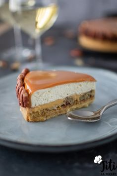 Cremeux Caramel, Desserts With Biscuits, Eclairs, Cheesecake, Deserts, Sugar, Cooking, Sweet, Food