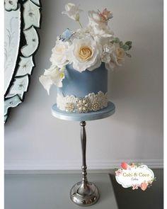 Single Tier Beauty Cobi & Coco Cakes