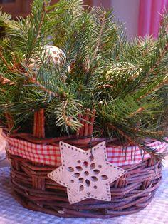 Ze života jedné hrnčířky....: 2013 Table Decorations, Christmas Ornaments, Holiday Decor, Home Decor, Decoration Home, Room Decor, Christmas Jewelry, Christmas Decorations, Home Interior Design