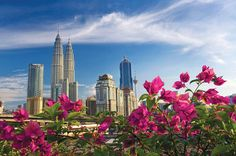 Half-Day Kuala Lumpur City Tour Enjoy a half-day city tour and see the major sights of Kuala Lumpur. Stop for photos at the iconic landmarks and monuments of the Malaysian capital, including the Petronas Twin Towers, the National Mosque, Merdeka Square, and the King's Palace.This 4-hour guided tour is your opportunity to visit and take photos of the most iconic sites in Kuala Lumpur, such as the King's Palace, Independence Square, the Petronas Twin Towers, the National Mosque,...
