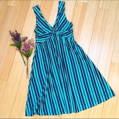 PATAGONIA dress, S. Beautiful condition summer dress by Patagonia. Soft stretchy knit material. Ready for your next hike or errands in town. Dress length is 38 inches. Patagonia Dresses Midi