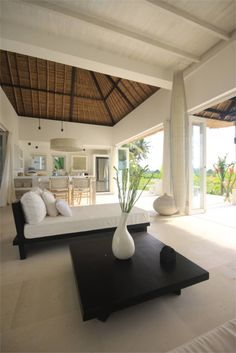 Like the simple-ness and outdoor indoor feel Tropical Living, House Styles, Living Room Ceiling, House Design, Balinese Decor, Bali House, Balinese Interior, Resort Interior, Modern Tropical House
