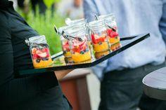 Pots de fruits frais  Crédit Photo : Savitri Bastiani – à Origine Bistro Terrasse.    Crédit: Avec Plaisirs Traiteur