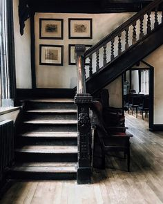 House of Sighs Future House, My House, Mansion Interior, Interior And Exterior, Mansion Bedroom, Gothic House, House Goals, Victorian Homes, Stairways