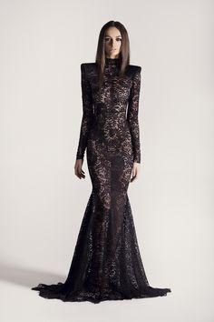 Michael Costello Michael Costello, Couture Mode, Couture Fashion, Podium, Fantasy Dress, Black Wedding Dresses, Mode Editorials, Beautiful Gowns, Pretty Outfits