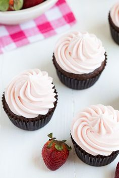 Chocolate Cupcakes with Strawberry Marshmallow Frosting are a classic ...