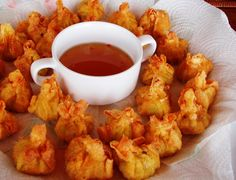 Keswick Island Guest House: Deep Fried Won Tons with Sweet Chilli Dipping Sauce