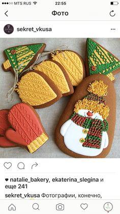 Snowman Cookies, Christmas Tree Cookies, Iced Cookies, Noel Christmas, Holiday Cookies, Cupcake Cookies, Christmas Baking, Christmas Treats, Gingerbread Cookies