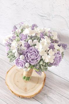 Hydrangea Bouquet Wedding, Lavender Bouquet, Purple Wedding Bouquets, Prom Flowers, Lilac Wedding Flowers, Purple Flower Bouquet, Wedding Lavender, Gift Flowers, Lavender Roses