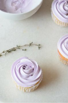 Lavender Cupcakes with Fluffy Lavender Frosting | carmelapop.com