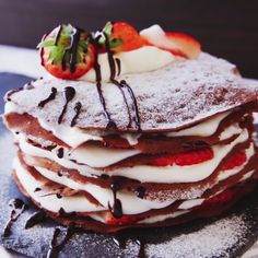 Looking to step up your crepe making game? Check out these amazing crepe recipes to get stared! Just Desserts, Delicious Desserts, Dessert Recipes, Yummy Food, Crepe Recipes, Mini Desserts, Tasty Videos, Food Videos, Chocolate Crepes