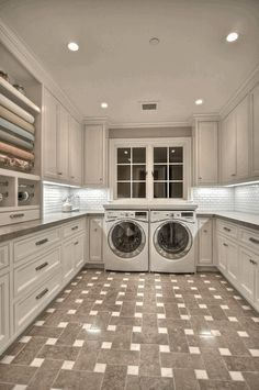 Dream laundry room Pirate ship chandelier house decor design this is my dream home Fancy - Dream house Laundry Craft Rooms, Laundry Room Organization, Laundry Room Design, Laundry In Bathroom, Small Laundry, Laundry Room Island, Laundry Chute, Large Laundry Rooms, Laundry Closet