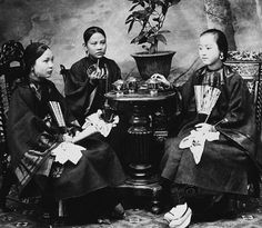 Clothes make the woman: 100 years of Chinese women and what they wore, WOMEN, CHANGE, CLOTHING, STYLE, QIPAO,