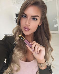 """Imogen ~ Foxy Locks on Instagram: """"My favourite lipgloss at the moment! @gerardcosmetics Divalicious Use my code 'FOXY' for 25% off online Ps #FoxyLocks Honey Spice Ombré is available at @foxylocks.co.uk for preorder! Shipping next week """""""