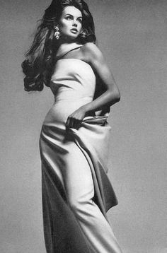 pinterest.com/fra411 Jean Shrimpton 1966 photo by Richard Avedon