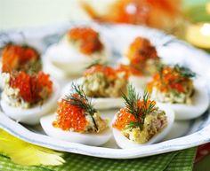 Fyldte æg med tunmousse