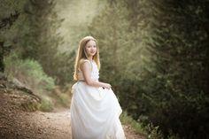 Niñas de Comunión   Alba Soler Photography – Fotografía infantil Xàtiva – Valencia. Alba Soler, Valencia, Wedding Dresses, Photography, Fashion, Bride Dresses, Moda, Bridal Gowns, Photograph