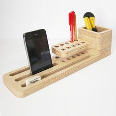 Ideal para el escritorio. De madera.
