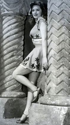 """Julie London - American jazz and pop singer and actress. Signature tune for """"Cry Me A River."""""""