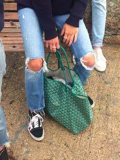@joanbessem Denim Fashion, Fashion Outfits, Womens Fashion, Cool Style, My Style, Style Pic, Mode Inspiration, Vogue, Everyday Fashion