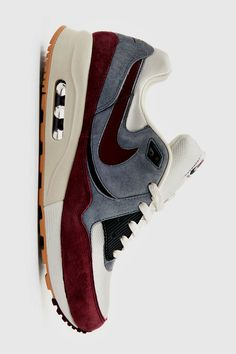 Nike Air Max for Women 38 EUR / 44 USD