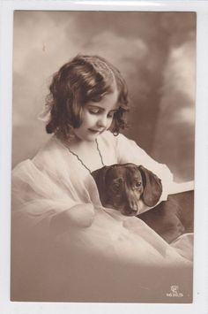 Vintage: Girl with her Dachshund ♥ (Post Card)
