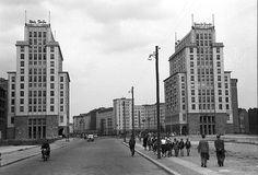 Berlin DDR 1957 Stalinallee Ecke Haus des Kindes