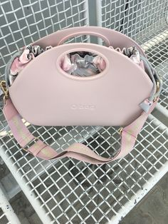 Girl Bottoms, Purses, My Style, Womens Fashion, Outfits, Inspiration, Cell Phone Purse, Zapatos, Bags