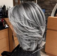 transition to grey hair with highlights Medium Hair Styles, Short Hair Styles, Gray Hair Highlights, Transition To Gray Hair, Silver Grey Hair, Balayage Hair Blonde, Hair Color And Cut, Hair Colour, Hair Pictures