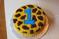 The Buttercream Bakery: Giraffe Print 1st Birthday Cakes. Smash cake idea.
