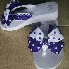 Purple & white polka dot flip-flops!