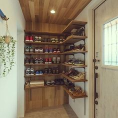 10 Gorgeous Open Closet Suggestions For Innovative Home Shoe Room, Home Fix, Garage House, Shelf Design, House Entrance, Life Design, Home And Deco, Home Organization, Shelving