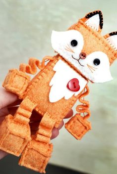Fox Plush Robot with Paws and a Red Heart - Rihian Homepage Cute Crafts, Felt Crafts, Robot, Plushie Patterns, Loom Patterns, Dolly Doll, Baby Security Blanket, Fox Ears, Hello Kitty Birthday